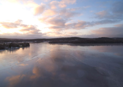 Isarna ligger på Bysjön, vintern 2020